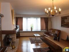 Comfortabel appartement van 80m² op de 2e verdieping, gelegen nabij centrum Mechelen en station. Garagebox ( achteraan het gebouw gelegen ) + kel