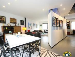 Modern en instapklare zeer ruime gezinswoning met 10 meter gevelbreedte te Wilrijk Neerland. Ideaal residentieel gelegen doch nabij invalswegen, schoo