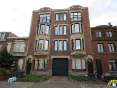 Ruim appartement op de 2de verdieping inclusief duplex verdiep met slaapkamer, dakterras en prachtig zicht, gelegen in een mooi gebouw mogelijk met au