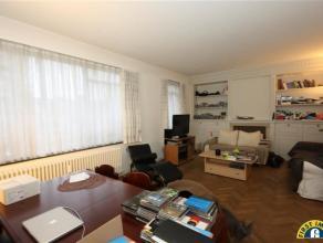 Ideaal gelegen ruim 2 slaapkamer appartement met inpandige garage en autostaanplaats (vp 1x 15.000euro) te Wilrijk Oosterveld! Gelegen nabij winkels,