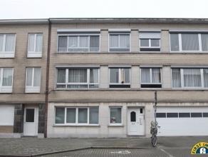 Appartement met 2/3 slaapkamers en 2 kelders te Wilrijk VALAAR. Dit appartement in een klein blokje is voorzien van dubbele beglazing en een individue