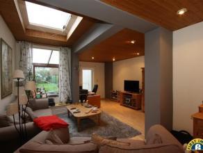 MOGELIJK KLEIN BESCHRIJF: instapklare gezinswoning met tuin en 3 ruime slaapkamers in een rustige straat nabij het centrum van Wilrijk. Omschrijving:
