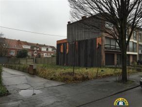 Ideaal gelegen projectgrond met ZUIDWEST oriëntatie te Wilrijk Neerland, overkant Edenplein, geschikt voor een half open bebouwing met 3 appartem