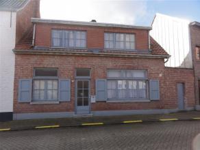 Te renoveren woning in het centrum van Weert met drie slaapkamers, berging en tuin op een oppervlakte van 272m². Rustig gelegen woning op 200m va