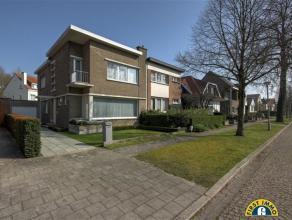 Ideaal gelegen karaktervolle half open bebouwing gelegen in de residentiële wijk Elsdonck / Molenveld. Gelegen in een doodlopende straat met uits