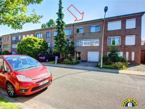 Ideaal gelegen instapklare gezinswoning met 3 à 4 slaapkamers in een rustige enkelrichtingstraat met uitsluitend plaatselijk verkeer! Rustig ge