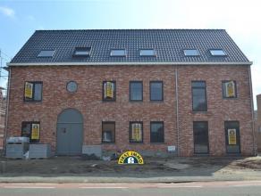 Nieuwbouw appartement op de eerste verdieping in Residentie 'Roosdael' te Kalmthout-Achterbroek ! Dit appartement is ingericht met een grote leefruimt