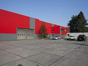 """Bedrijfsgebouwen, gelegen op het Industrieterrein """"Kloosterbos"""" te Wachtebeke Het betreft een magazijn/productieruimte van 22.500 m² op een indus"""
