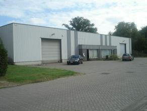 Warehouse te huur KMO-unit gelegen te Bosduin, Kapellen. Zeer goed bereikbaar via de E19 Antwerpen - Breda.Vooraan 1 grote sectionaalpoort aanwezig. M