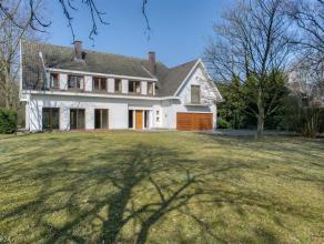 Nabij het centrum van Duffel gelegen, karakteristieke villa op een zuidwest georiënteerd perceel van ca 4.942m2 met een vlotte bereikbaarheid naa