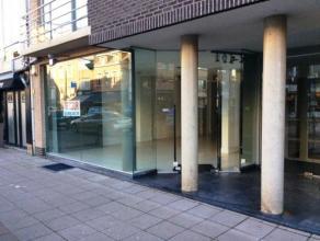 Het betreft een handelsgelijkvloers van 105 m² gelegen op de Bredabaan in Brasschaat.Kadastraal inkomen = 2135 ... Het betreft een handelsgelijkv