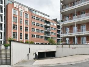 Schitterend loft-appartement van 190m² op de ANCO site aan de Turnhoutse jachthaven met ondergrondse autostaanplaats en berging. Deze ruime en li