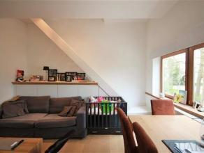Instapklaar appartement met terras in het centrum van Brasschaat beschikbaar vanaf juli!Indeling:Via de privatieve gang met toilet en bergruimte berei