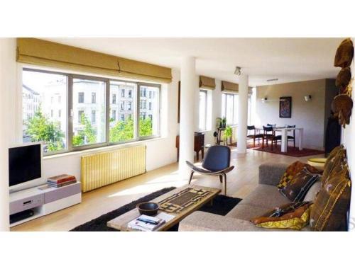 Appartement te huur in antwerpen 950 edgai for Te huur appartement antwerpen