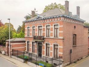 Authentieke herenwoning en voormalig Brouwershuis Dubois, gelegen in het pittoreske Oudegem (Dendermonde) met en omsloten mature tuin.De authentieke i