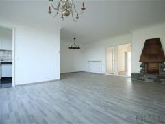 Gerenoveerd appartement met 2 slaapkamers in een groene omgeving van Berchem! Indeling:Het gerenoveerde appartement (ca. 85 m²) is gelegen op de