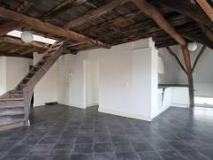Instapklaar 2-slaapkamer appartement in het hartje van Mechelen Indeling: Dit leuke appartement beschikt over een ruime leefruimte die dankzij de vele
