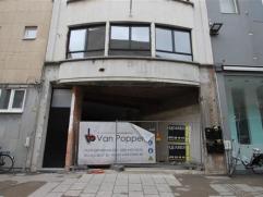 Stadswinkel te huur gelegen in hartje MechelenIndeling:Winkelpand van 105 m2 centraal gelegen op de Bruul. In te richten naar eigen wens en budg