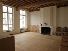 Exclusief appartement met luxueuze afwerking gelegen in het centrum van MechelenIndeling:Dit lichtrijk appartement is recentelijk gerenoveerd en prach