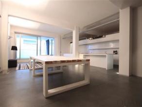Loft appartement van ca. 125 m² met 2 slaapkamers en een terras van ca. 16 m². Indeling:Het appartement is gelegen op de 1ste verdieping in