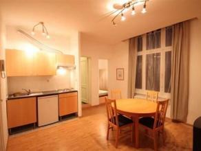 Gemeubeld1-slaapkamer appartement op rustige locatieIndeling:Via de authentieke trappenhal komt u op de1ste verdieping. Het appartem