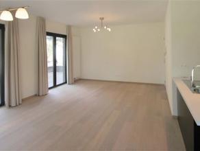 Indeling:Nieuwbouwappartement met topligging nabij de Grote Markt van Sint-Niklaas. Het appartement is gelegen in het nieuwe Jef Burmpark, waar het aa