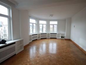 Prachtig en ruim Art Deco appartement met 2 slaapkamersIndeling:Dit appartement is gelegen in een prachtige Art Deco Residentie, nl. Residence Leopold