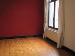 Appartement op de 3de verdieping in gebouw zonder lift. Ingerichte badkamer en keuken, 1 slaapkamer, living, apart toilet. 125 Euro provisiekosten (vo