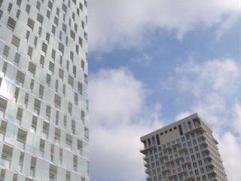 Verscheidene nieuwbouwstudio's met terras aan 'Park Spoor Noord'. De studio's zijn voorzien van een keuken met ijskast, kookplaat, oven en dampkap, le