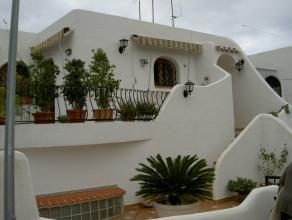 Moraira Playetes - Mooi appartement met zeezicht Mooi uitzicht op zee; bestaande uit 2 slaapkamers, 1 badkamer, grote leefruimte en volledige ingerich