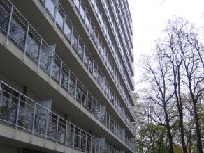 Aangenaam 2 slaapkamer appartement met ruim terras Dit aangenaam appartement bevindt zich op de eerste verdieping van het residentieel gebouw Regent I