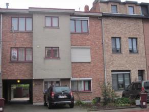 Leuk 1 slaapkamer appartement met terrasje Dit gezellig appartement bevindt zich op de 1ste verdieping in een klein gebouw van 5 appartementen. Het ap
