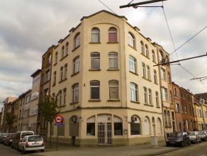 Opbrengsteigendom met 6 appartementen en een commercieel gelijkvloers.  Deze opbrengsteigendom is gelegen te Wilrijk op de hoek van de Golfstraat en