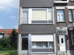 Opbrengsteigendom bestaande uit 2 appartementen (tot opp.: 216m² + 72m² tuin)  Totale opbrengst: 13.755,12 €/jr = 5% rendement PRO RATA o
