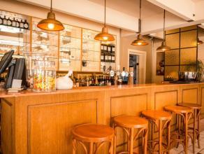 TOPZAAK te Mortsel op geweldige ligging.   De brasserie werd voorzien van een nieuwe inrichting met 90 zitplaatsen binnen EN 90 zitplaatsen buiten.