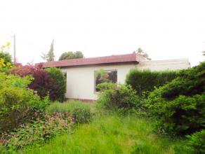 Bungalow met mogelijkheden<br /> <br /> Deze bungalow is gelegen op een groot stuk grond met potentieel. Momenteel betreft het hier een leegstaande