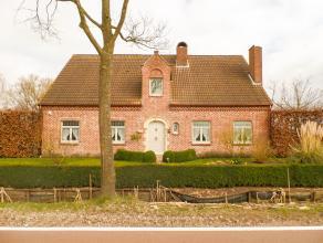 Rustig gelegen villa <br /> <br /> In deze Kempische gemeente treffen we een villa met prachtig aangelegde tuin aan. <br /> <br /> De woning is bereik