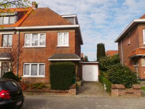 EGW met 5 slaapkamers, tuin en garage <br /> <br /> Deze verrassend ruime woning vinden we terug in de wijk Hof Van Rieth te Mortsel. <br /> <br /> We