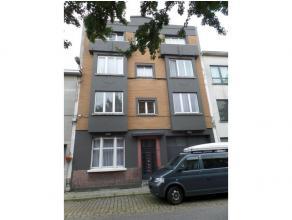 Appartement met 1 slaapkamer nabij Boelaerpark in ART DECO gebouw.<br /> <br /> Living op laminaat met aansluitend de nieuwe geïnstalleerde keuke
