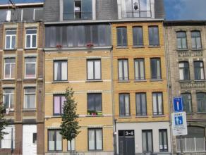 Appartement 4°verdieping links. Hal- living ca 38m² met open keuken, uitgerust met vaatwasser, ijskast, el.vuur, dampkap-combi-oven-1 slaapka