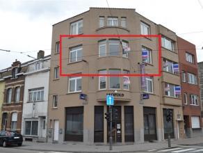 WILRIJK - VOLLEDIG GERENOVEERD APPARTEMENT  MET TWEE SLAAPKAMERS GELEGEN OP DE TWEEDE VERDIEPING VAN KLEIN GEBOUW - EPC voor de renovatie 616 kWh/m&su