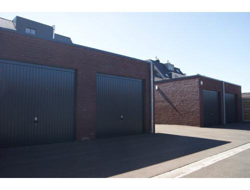 Garage louer torhout 60 eqiz7 osaer for Garage professionnel a louer