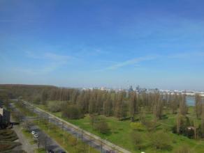 RUIM appartement (130 m²) gelegen op de 10de verdieping van een residentieel gebouw 'Habitim Tower' met prachtig zicht over Schelde, Haven van An