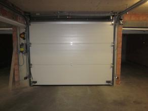 Nieuwe individuele garagebox gelegen in een afgesloten ondergronds garagecomplex.<br /> <br />  - €90 / maand<br />  - automatische poort<br />  - ele