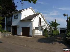 Ruime landelijk gelegen woning met magazijn van 100m² - mog. aankoop weiland. Deze rustig gelegen woning met een degelijke structuur op 800m&sup2
