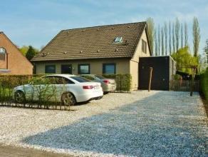 Deze mooie villa is gelegen in een residentiële wijk nabij Kessel. Door de uitstekende ligging kan u genieten van de natuurlijke omgeving maar vi