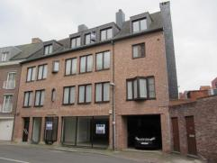 Mooi duplexappartement op 3e verdieping in het centrum van Herentals met 2 slaapkamers, terras, ruime leefruimte, aparte eetkamer en ingerichte keuken