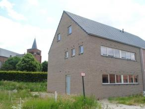 Prachtige, ruime nieuwbouwwoning gelegen in zeer rustige doodlopende straat in Meerhout. De woning wordt winddicht aangeboden, maar in samenspraak kun