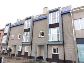 Het appartement beschikt over een ruime inkomhal dewelke paalt aan alle ruimtes van het appartement. Het appartement beschikt verder nog over twee sla