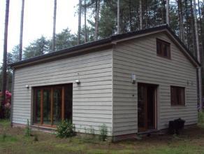 Nieuwbouw Chalet gelegen op een perceel oppervlakte van 1708m² in rustige bosrijke groene omgeving, met onder andere drie slaapkamers.Indeling en